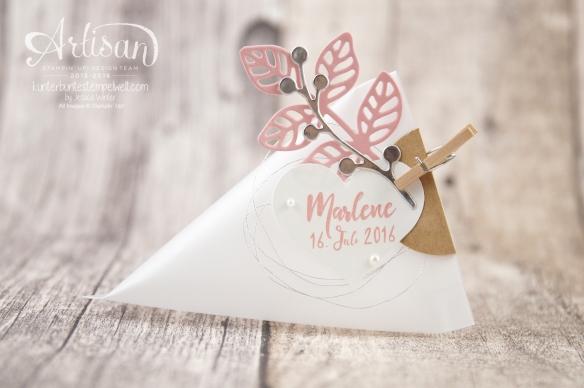 Stampin´ Up! - Thinlits Blütenpoesie - Dreicksverpackung - Sourcream Container - Gastgeschenk zur Taufe - 1