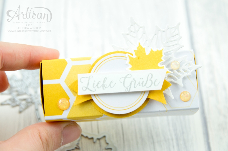Stampin´ Up! - Jahr voller Farben - Thinlitsformen Aus jeder Jahreszeit - Produktreihe Farbenspiel - Verpackung für Ferrrero Küsschen - 2