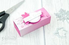 Stampin´ Up! - Jahr voller Farben - Thinlitsformen Aus jeder Jahreszeit - Produktreihe Farbenspiel - Verpackung für Ferrrero Küsschen - 7
